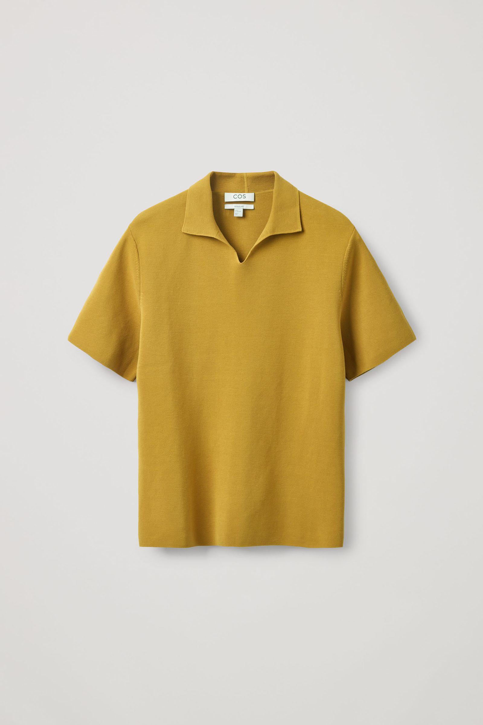 COS 오픈 칼라 폴로 셔츠의 머스타드 옐로우컬러 Product입니다.