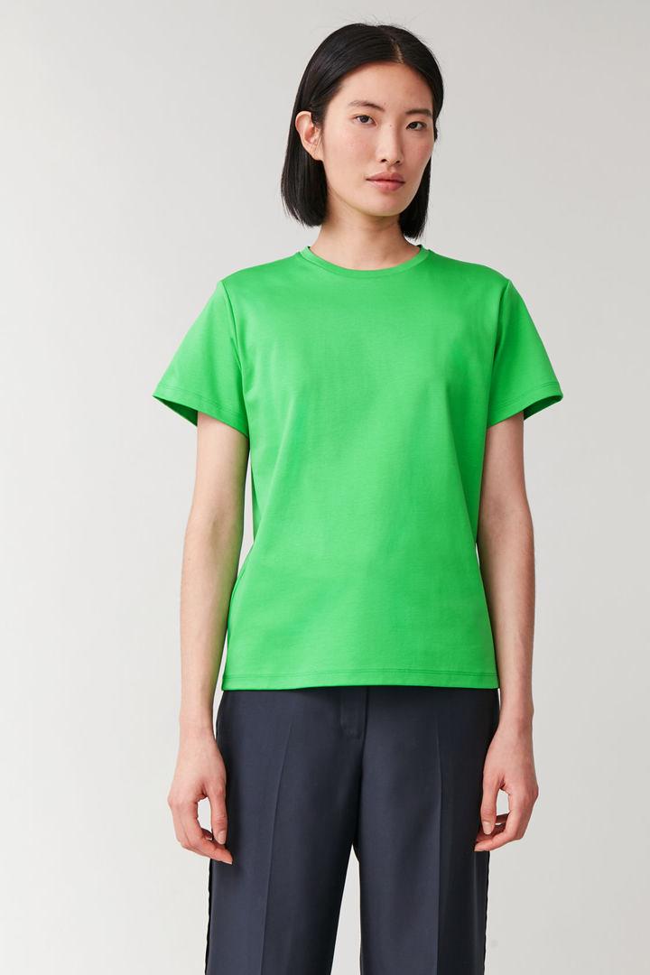 COS default image 5 of 그린 in 슬림 오가닉 코튼 티셔츠