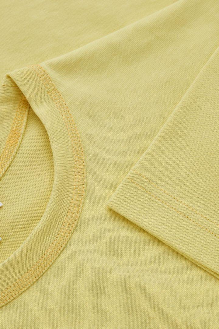 COS 박시 티셔츠의 옐로우컬러 Detail입니다.
