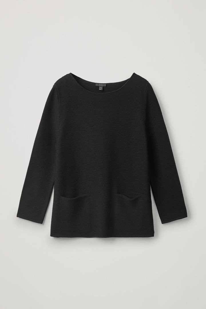 COS hover image 4 of 블랙 in A라인 메리노 스웨터