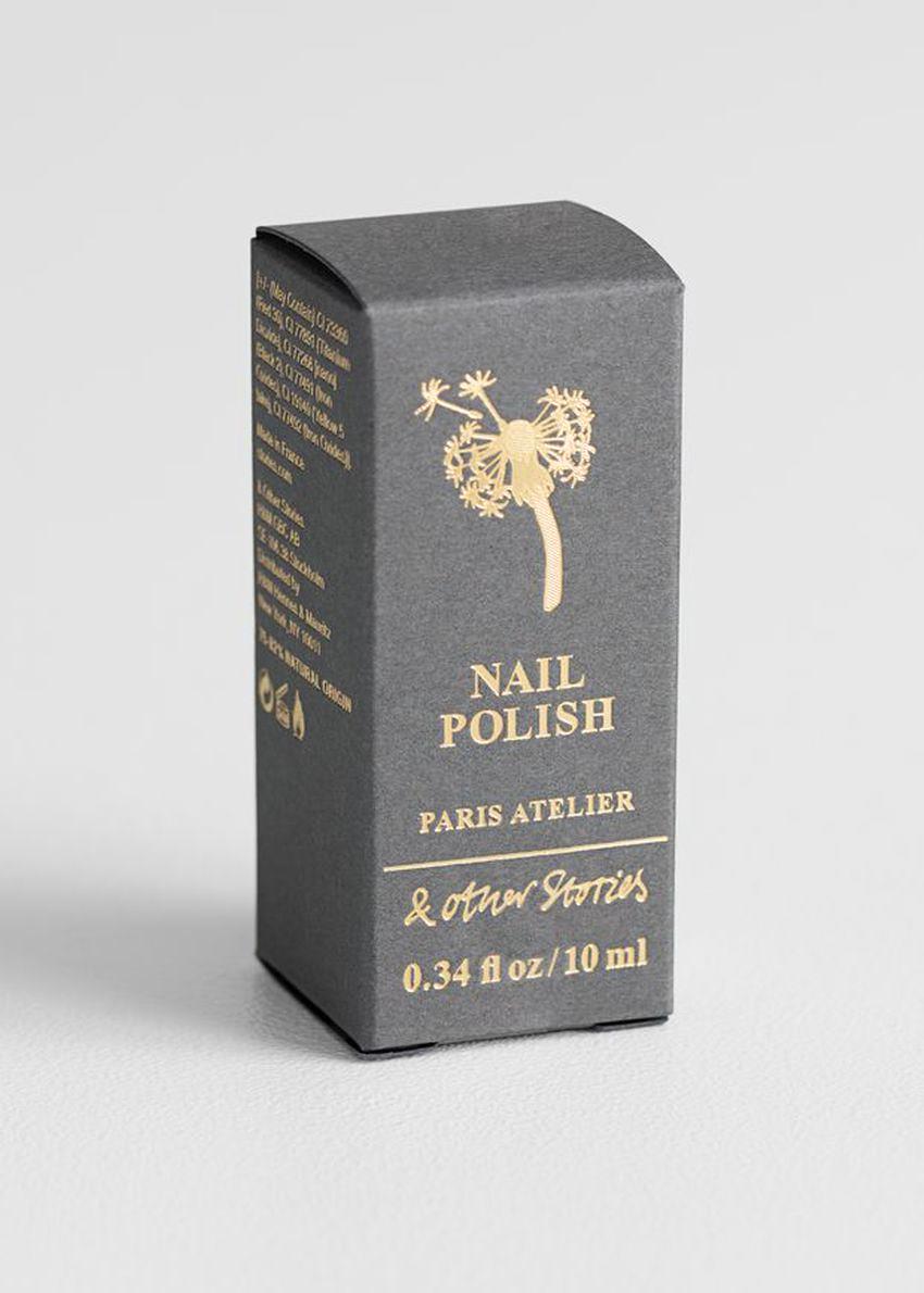 앤아더스토리즈 누아지 페를리 네일 폴리시의 아롬 아르브르컬러 Product입니다.