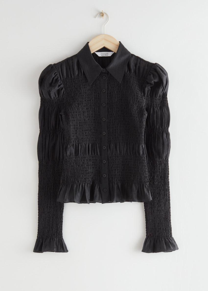 앤아더스토리즈 피티드 스모크 셔츠의 블랙컬러 Product입니다.