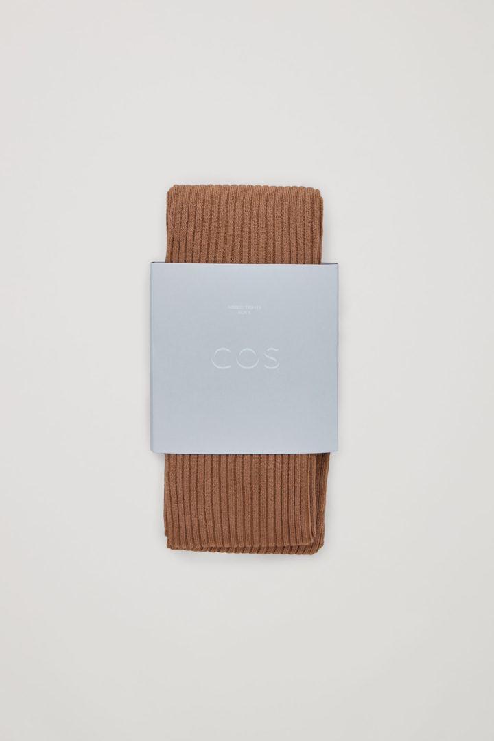 COS 리브드 타이츠의 베이지컬러 Product입니다.
