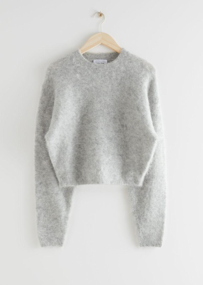 앤아더스토리즈 퍼지 자카드 니트 스웨터의 그레이컬러 Product입니다.