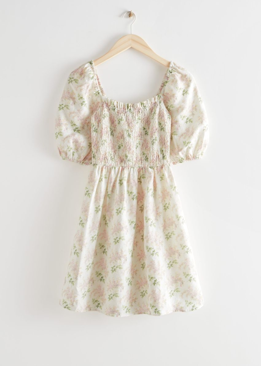 앤아더스토리즈 플로럴 프린트 퍼프 슬리브 미니 드레스의 핑크 플로럴컬러 Product입니다.