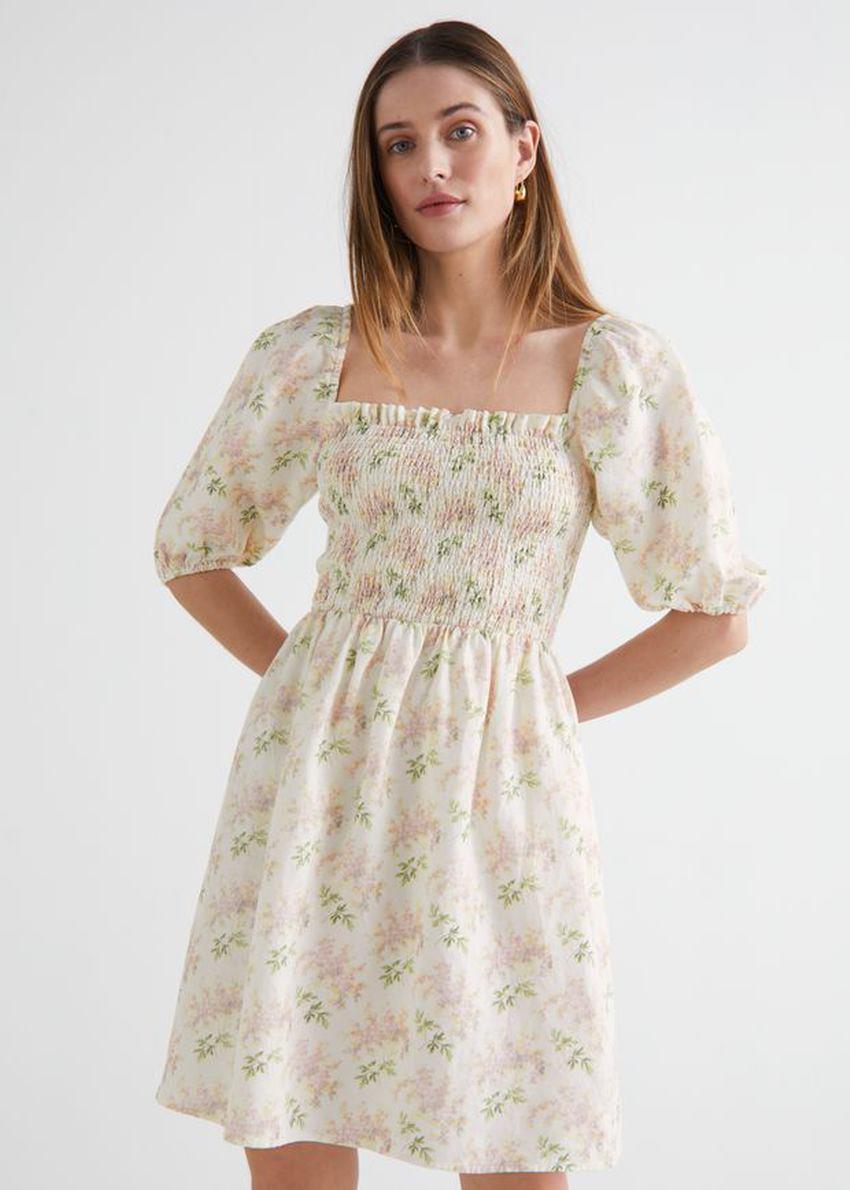 앤아더스토리즈 플로럴 프린트 퍼프 슬리브 미니 드레스의 핑크 플로럴컬러 ECOMLook입니다.