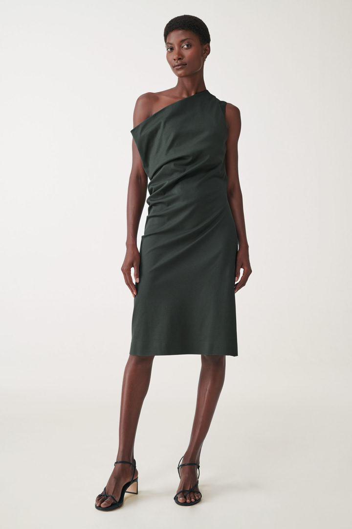 COS 원 숄더 오가닉 코튼 드레스의 다크 그레이컬러 ECOMLook입니다.