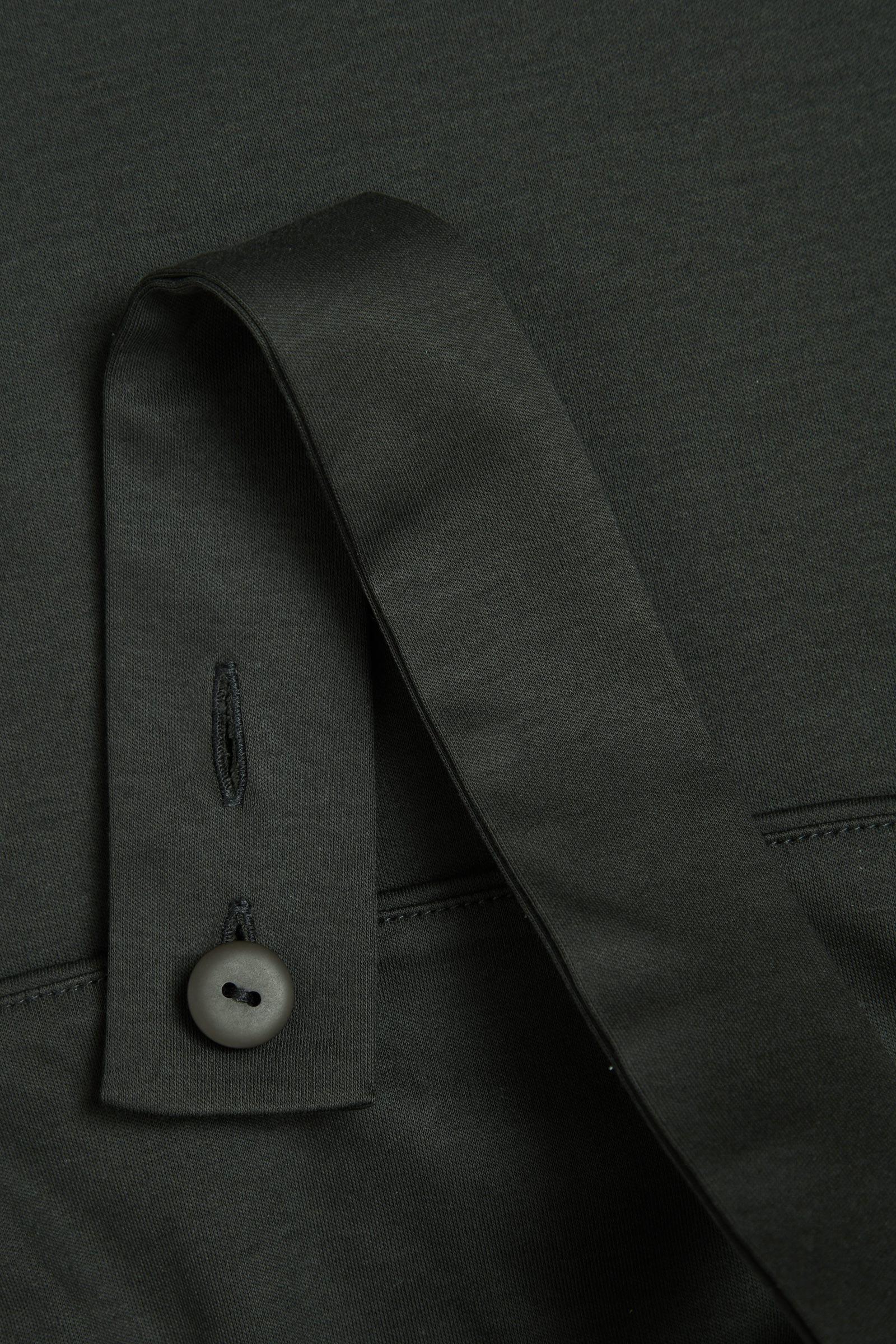 COS 원 숄더 오가닉 코튼 드레스의 다크 그레이컬러 Product입니다.