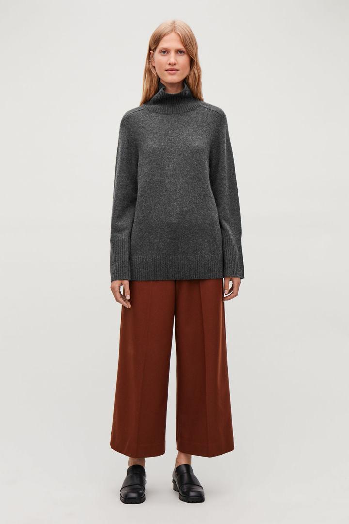 COS default image 9 of 그레이 in 캐시미어 롤넥 스웨터