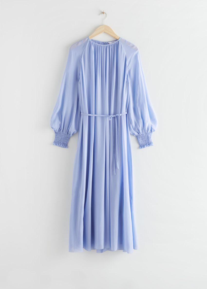 앤아더스토리즈 벌룬 슬리브 미디 드레스의 블루컬러 Product입니다.