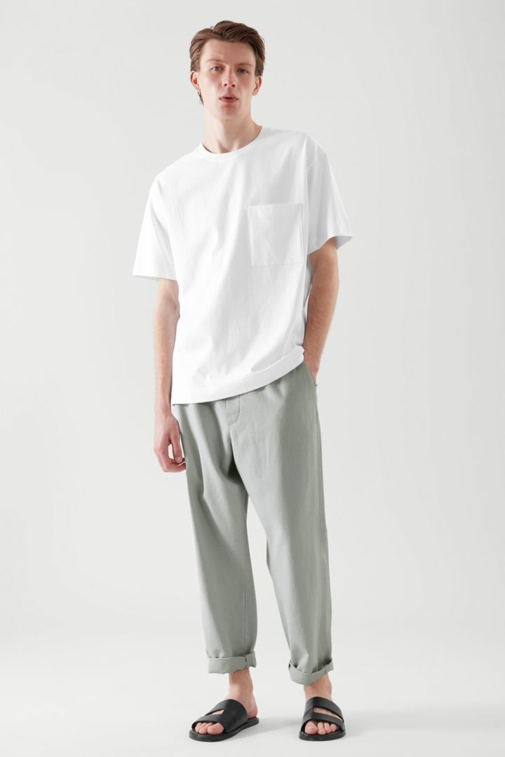 COS default image 9 of 화이트 in 릴랙스드 핏 패치 포켓 티셔츠