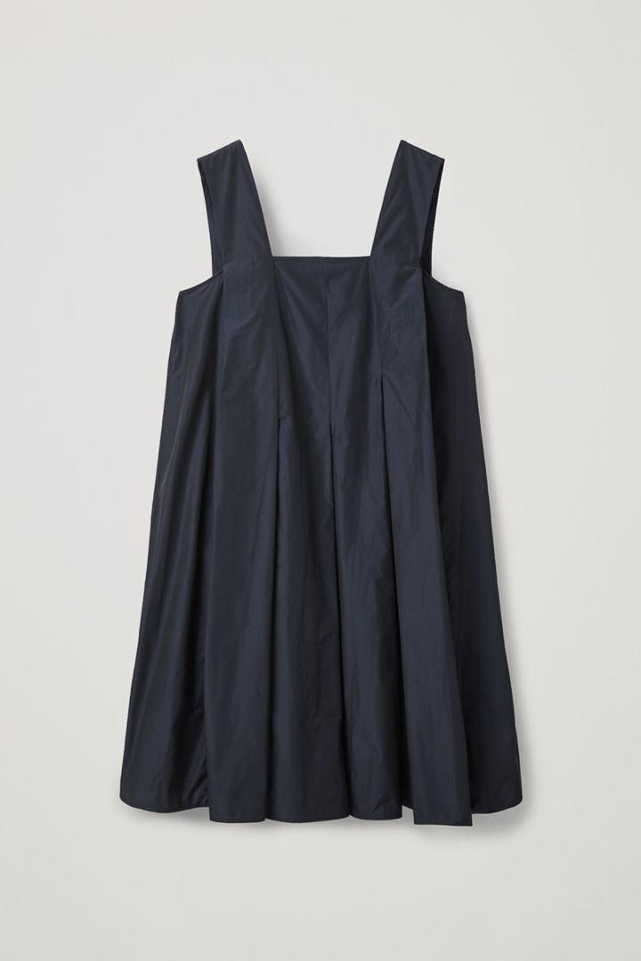 COS hover image 9 of 블루 in 테크니컬 플리티드 드레스
