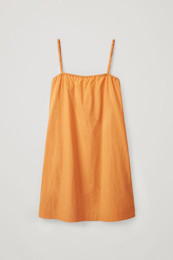 COS 개더드 디테일 코튼 드레스의 오렌지컬러 Product입니다.