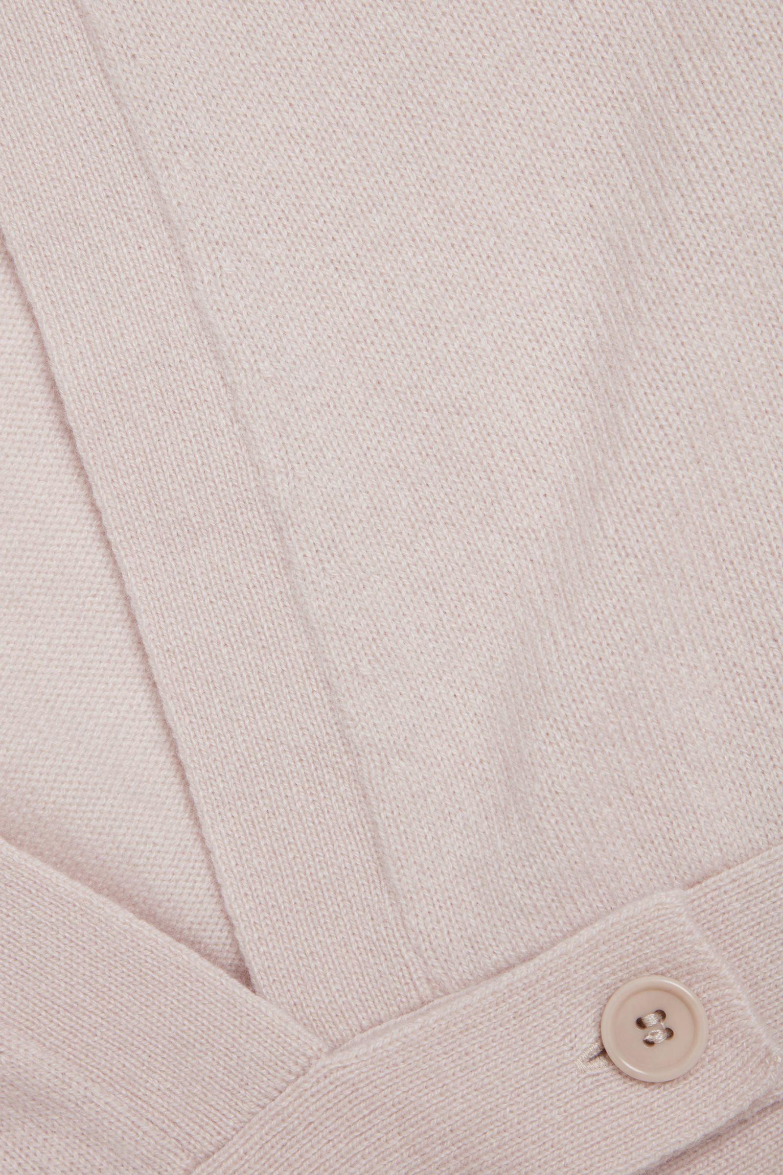 COS 리사이클드 캐시미어 랩 가디건의 라이트 핑크컬러 Detail입니다.
