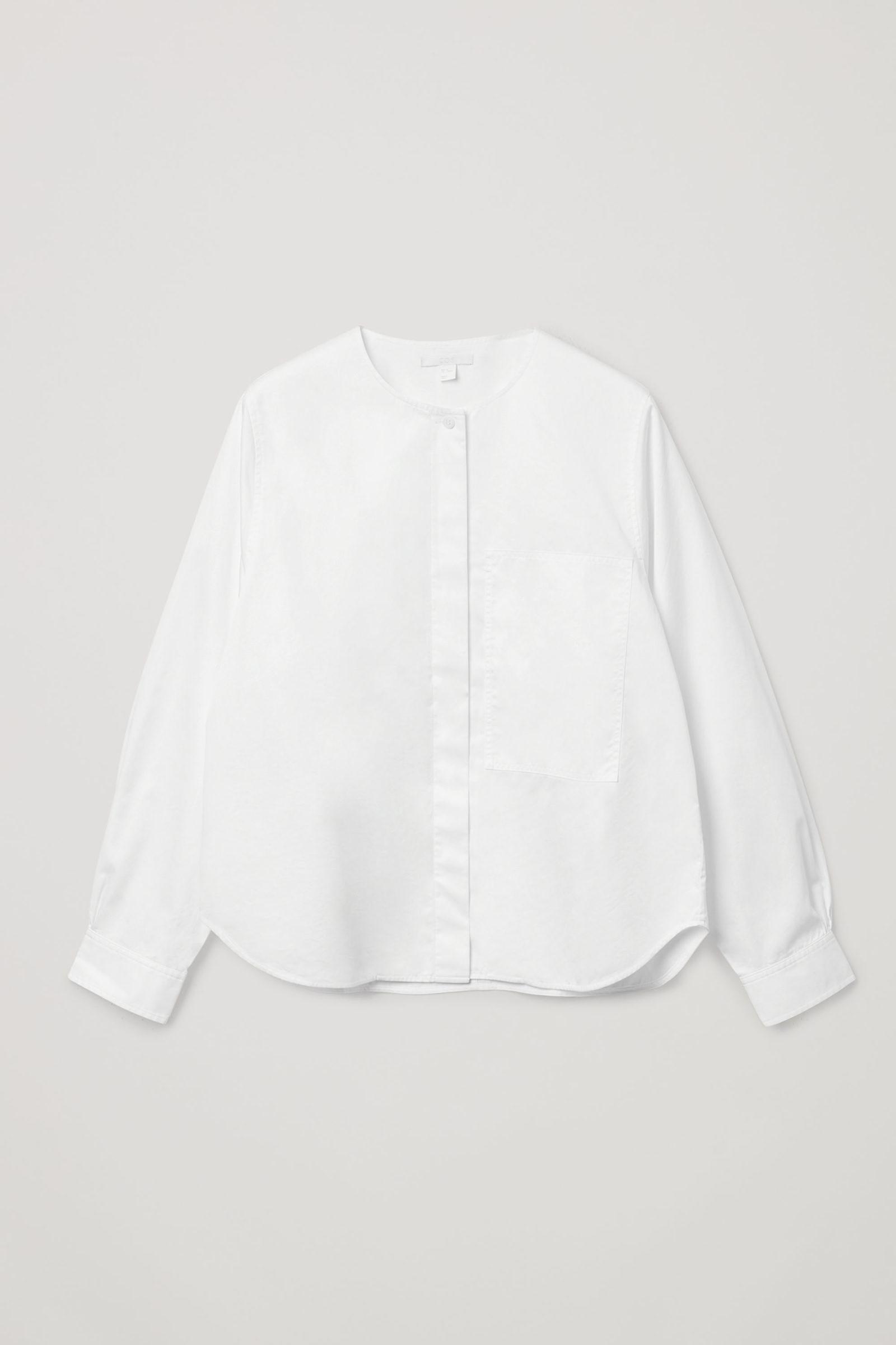 COS 오가닉 코튼 그랜대드 칼라 패치 포켓 셔츠의 화이트컬러 Product입니다.