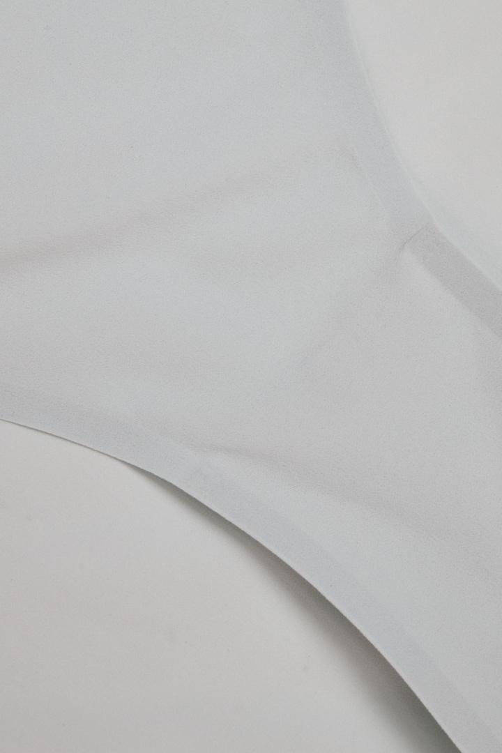 COS 스트레치 니커즈의 터쿼이즈컬러 Detail입니다.