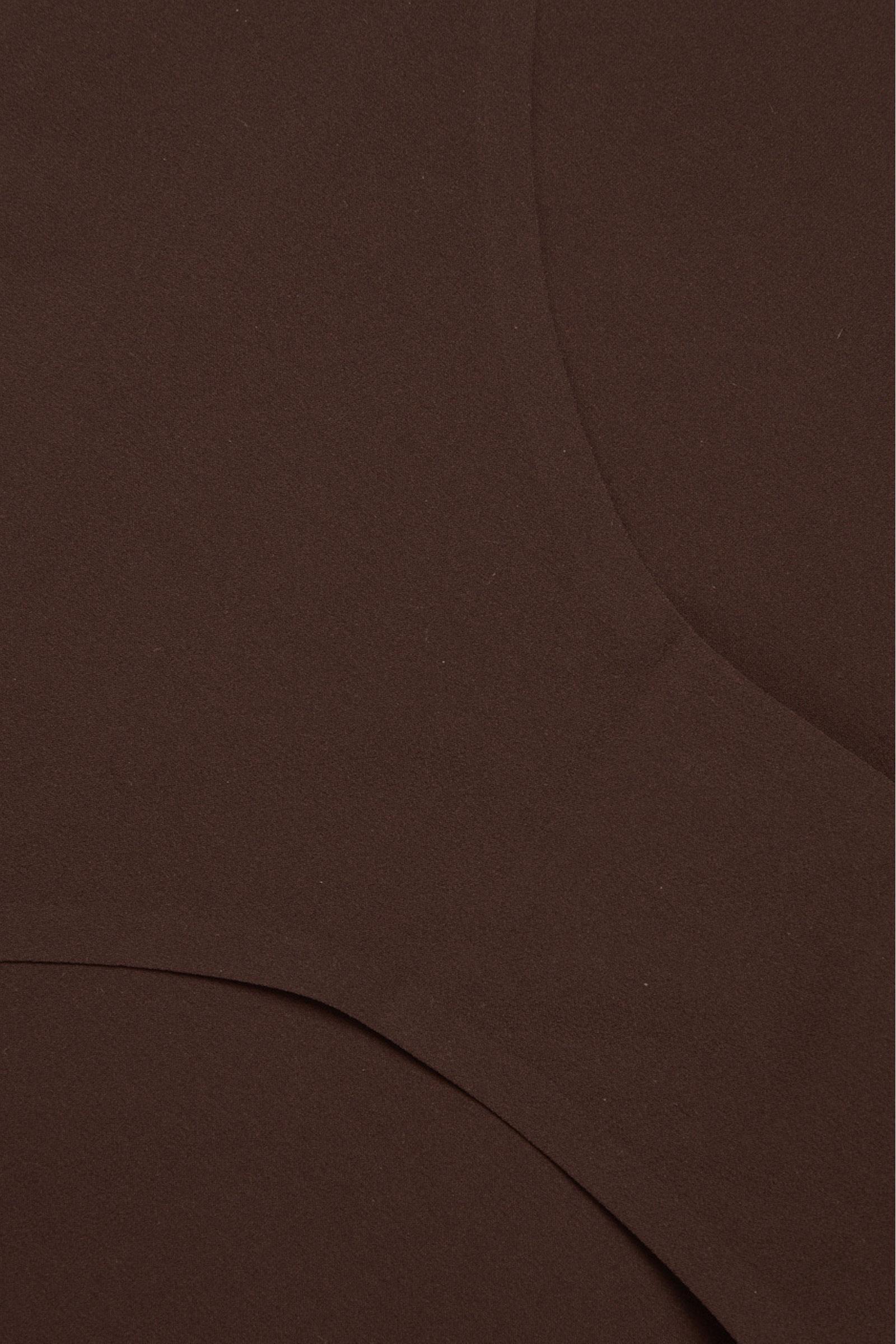 COS 스트레치 니커즈의 브라운컬러 Detail입니다.