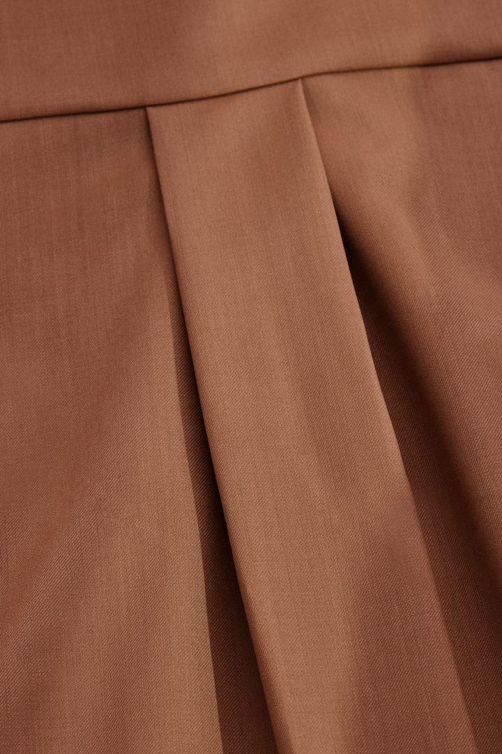 COS 울 믹스 셔츠 드레스의 브라운컬러 Detail입니다.