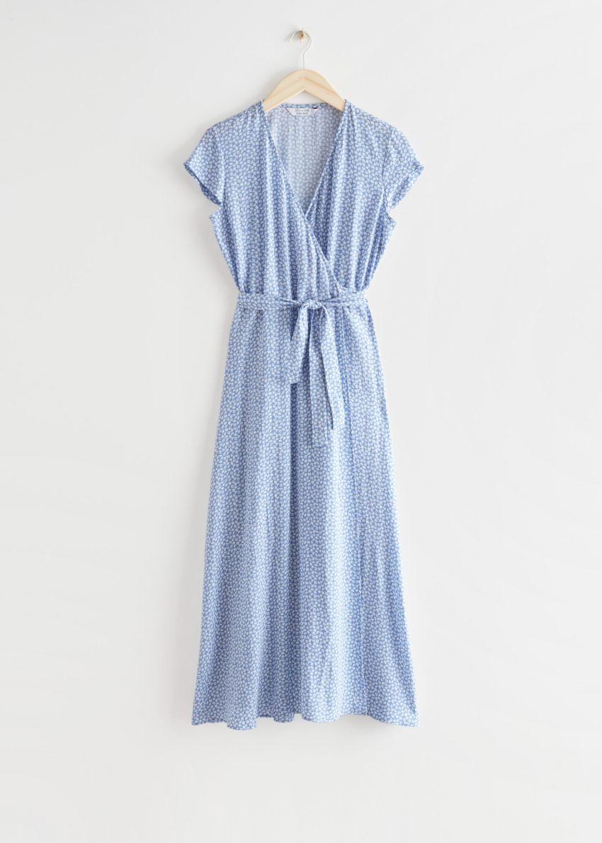 앤아더스토리즈 플로럴 미디 랩 드레스의 라일락 도트컬러 Product입니다.