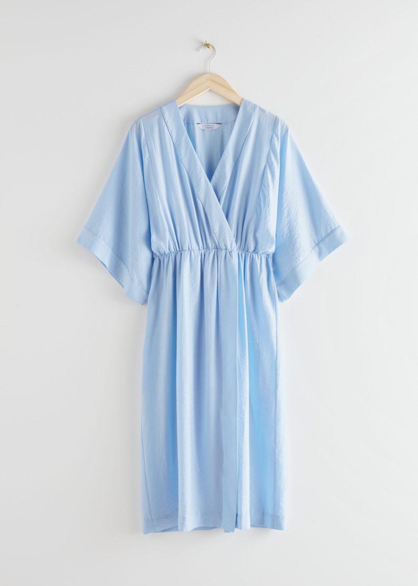 앤아더스토리즈 릴렉스드 미디 드레스의 블루컬러 Product입니다.
