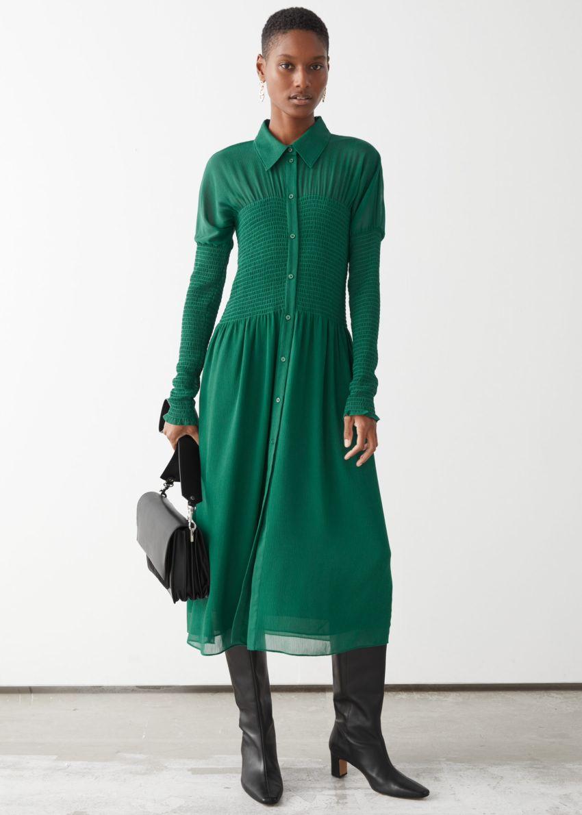 앤아더스토리즈 스모크 버튼 업 미디 드레스의 그린컬러 ECOMLook입니다.