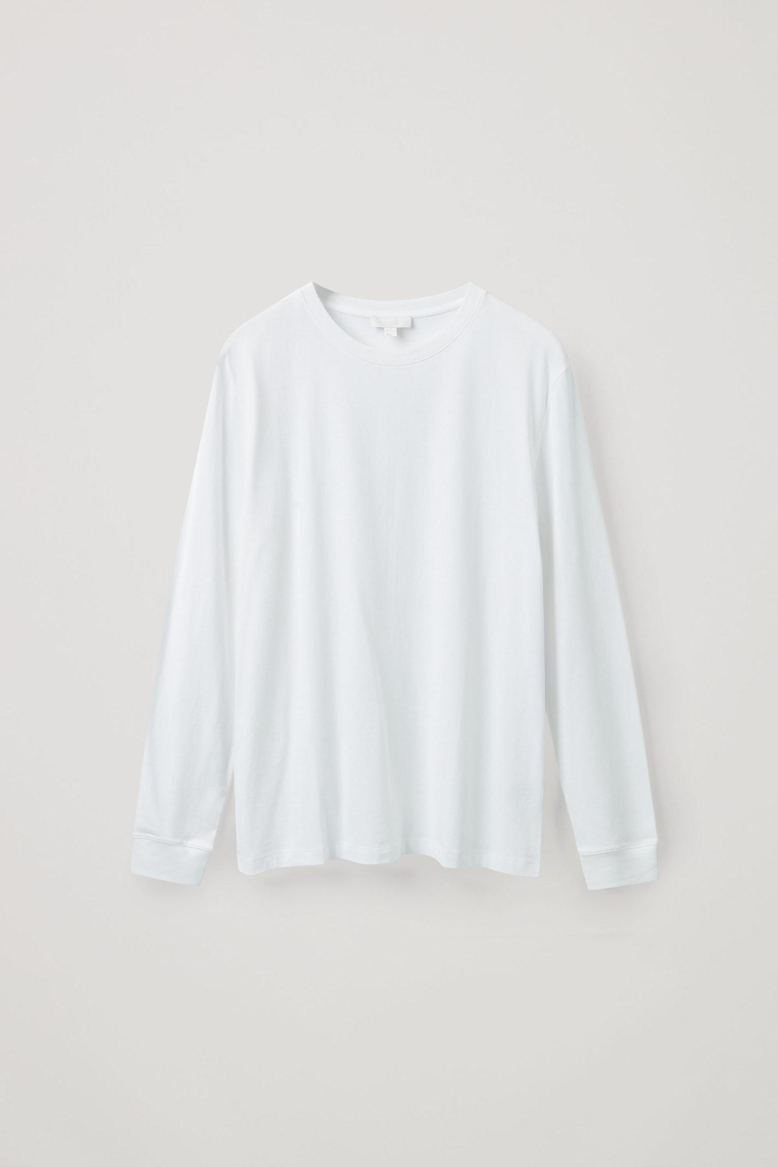 COS 브러쉬드 롱 슬리브 티셔츠의 화이트컬러 Product입니다.