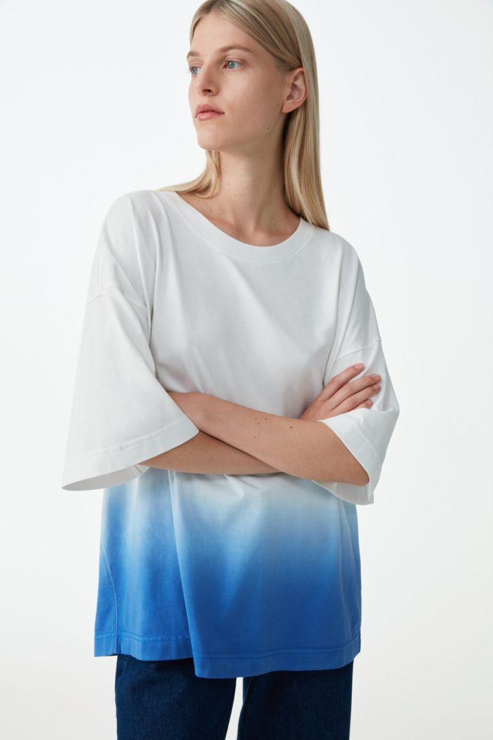 COS default image 10 of 블루 in 릴랙스드 오가닉 코튼 티셔츠