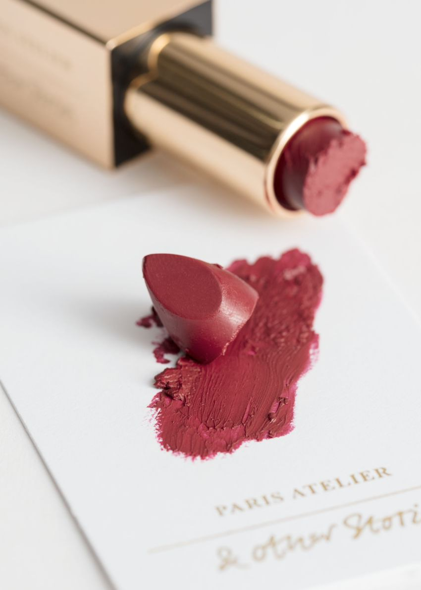 앤아더스토리즈 에투왈 드 메르  립스틱의 루즈 베리테컬러 Product입니다.