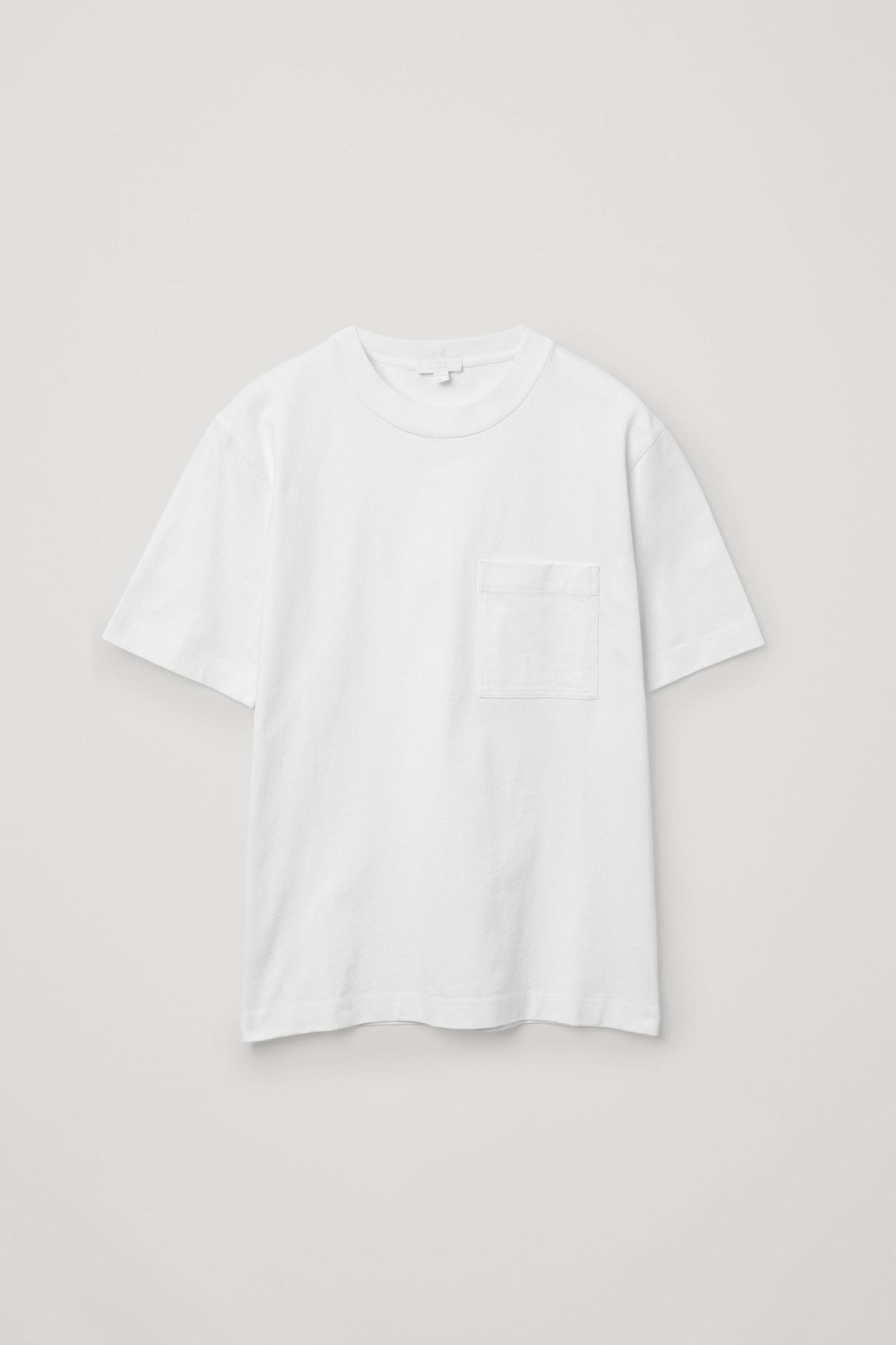 COS 오가닉 코튼 패치 포켓 티셔츠의 화이트컬러 Product입니다.