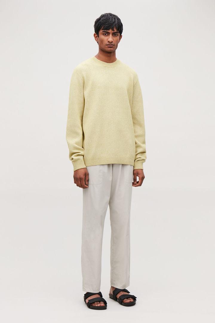COS default image 4 of 옐로우 in 텍스처드 니트 스웨터