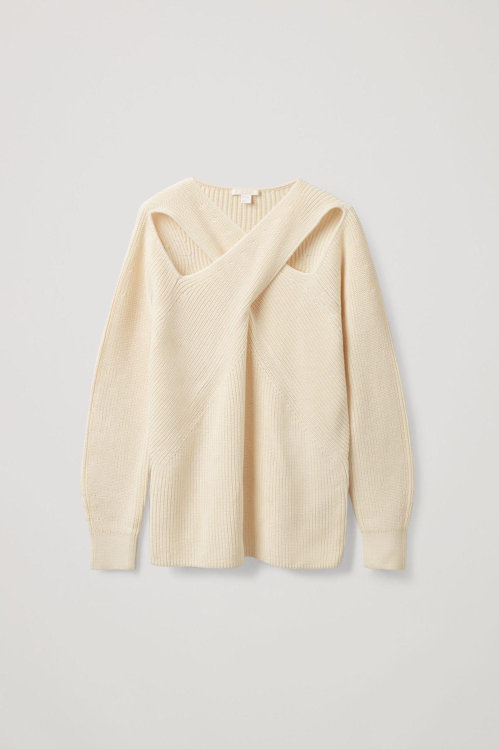 COS 코튼 드레이프드 패널 스웨터의 오프 화이트컬러 Product입니다.