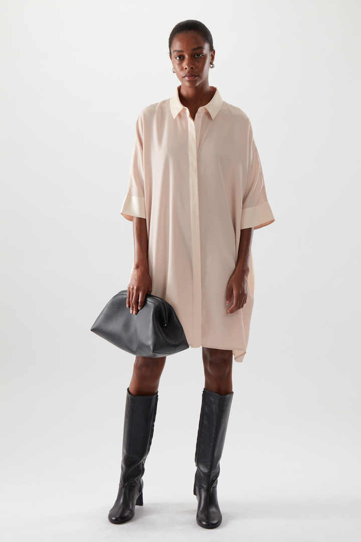 COS default image 9 of  in 드레이프드 박시 셔츠 드레스