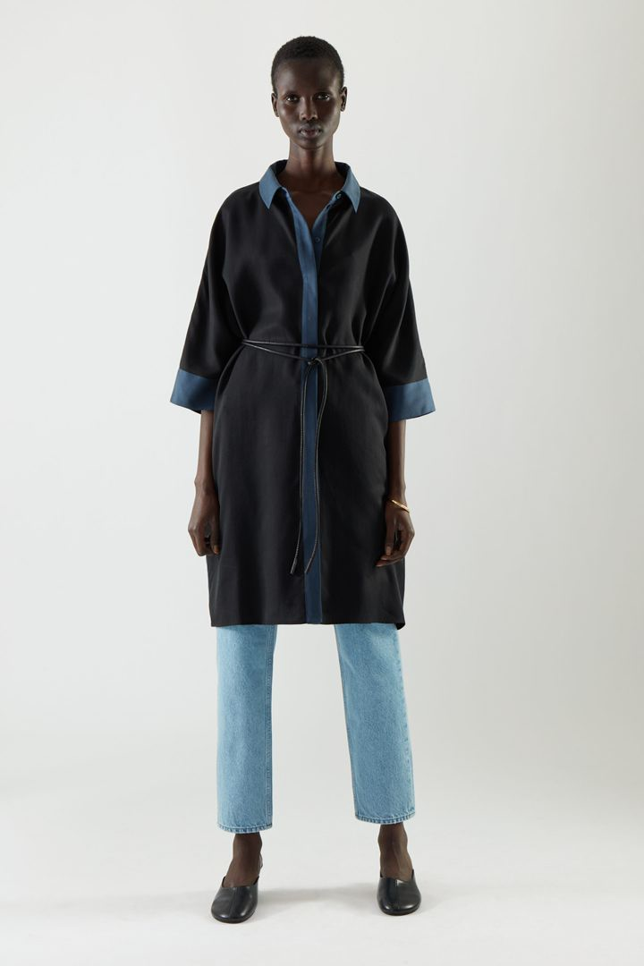 COS default image 8 of  in 드레이프드 박시 셔츠 드레스
