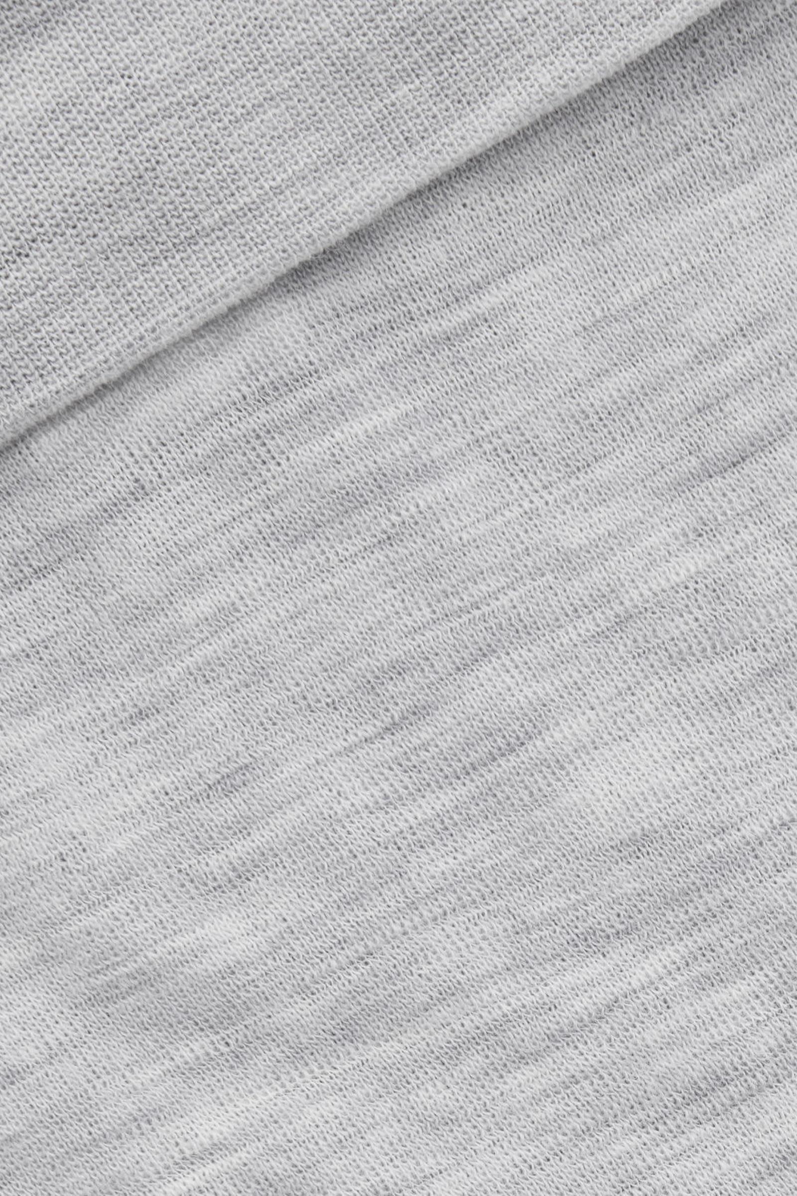 COS 라이트웨이트 울 레깅스의 그레이컬러 Detail입니다.