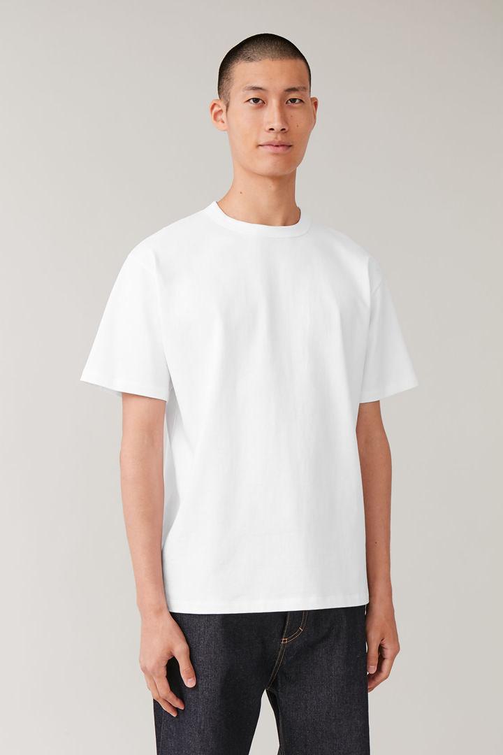 COS default image 10 of 화이트 in 롱 코튼 티셔츠