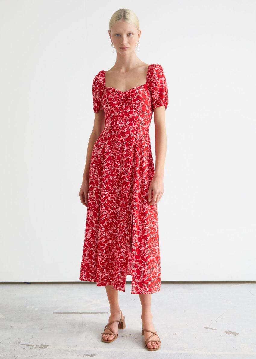 앤아더스토리즈 플로위 퍼프 슬리브 미디 드레스의 레드 프린트컬러 ECOMLook입니다.