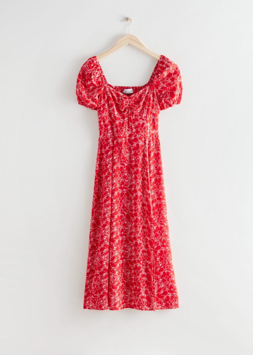 앤아더스토리즈 플로위 퍼프 슬리브 미디 드레스의 레드 프린트컬러 Product입니다.