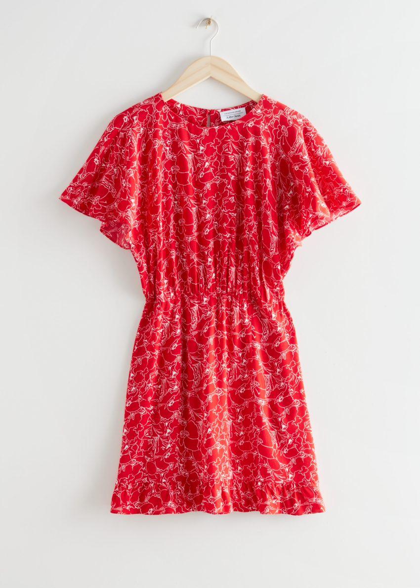 앤아더스토리즈 배트윙 슬리브 러플 미니 드레스의 레드 프린트컬러 Product입니다.