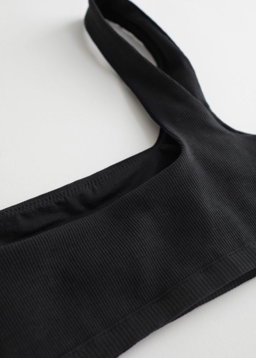 앤아더스토리즈 립 스퀘어 넥 소프트 브라의 블랙컬러 Product입니다.
