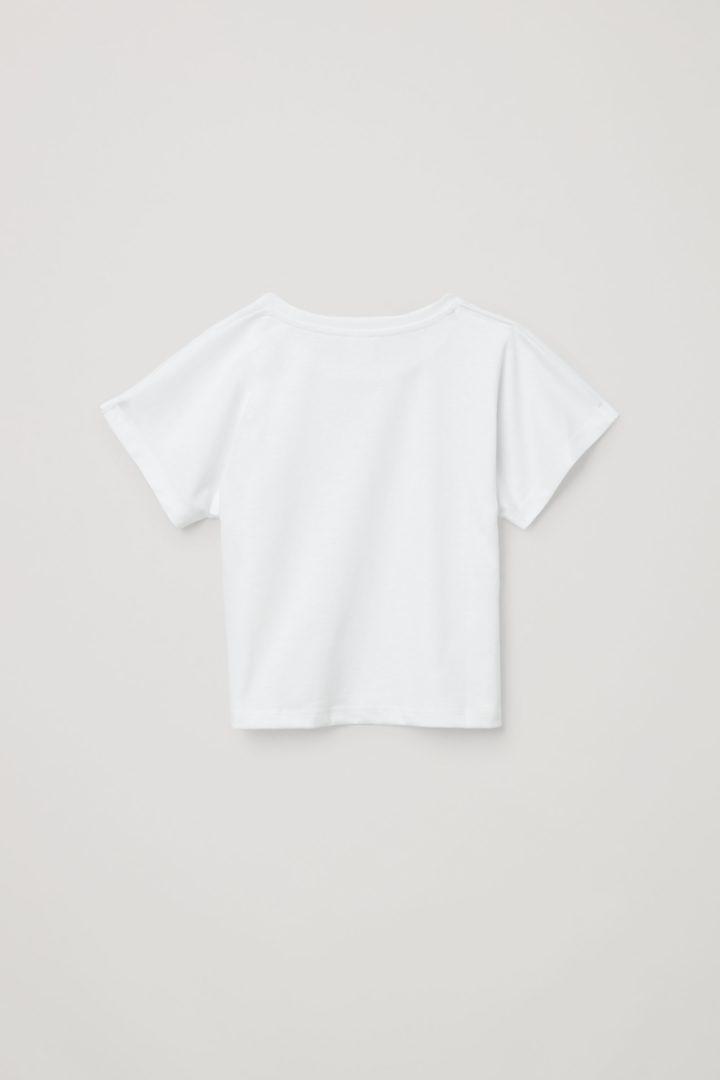 COS 오가닉 코튼 믹스 티셔츠의 화이트컬러 Product입니다.