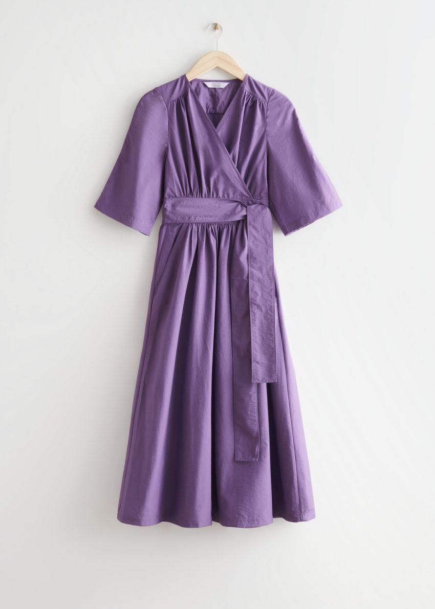 앤아더스토리즈 볼류미너스 미디 랩 드레스의 퍼플컬러 Product입니다.
