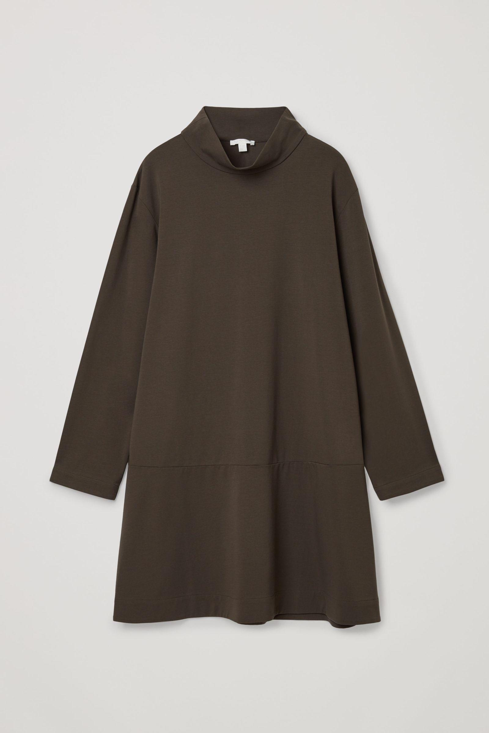 COS 코튼 하이 넥 드레스의 브라운컬러 Product입니다.