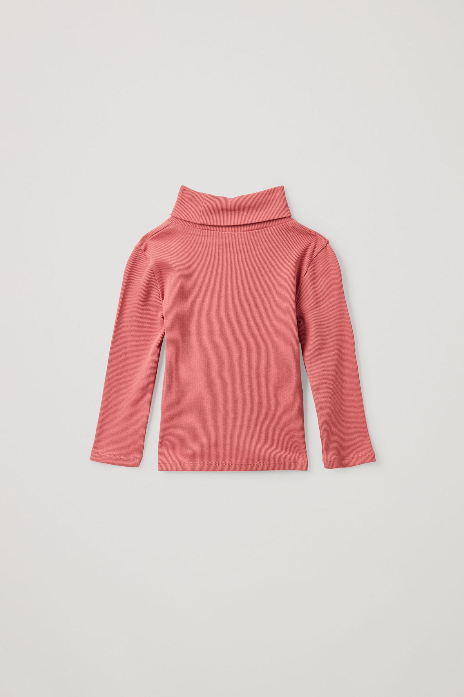 COS 롤넥 오가닉 코튼 탑의 핑크컬러 Product입니다.