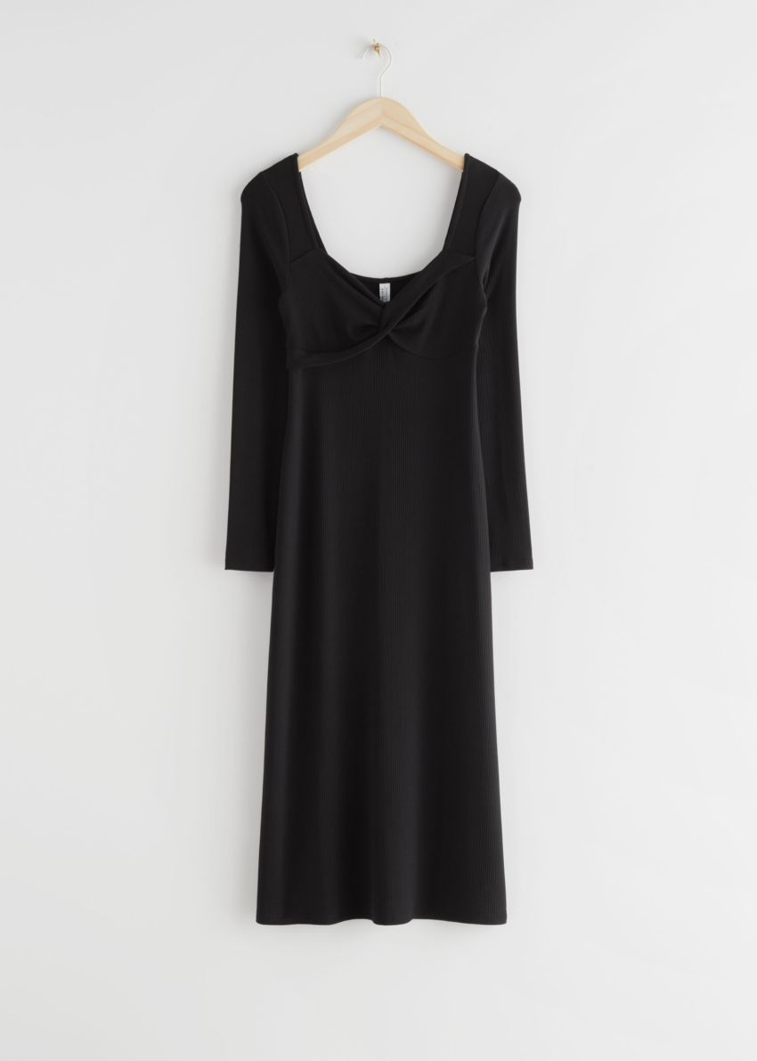 앤아더스토리즈 스위트하트 넥 미디 드레스의 블랙컬러 Product입니다.
