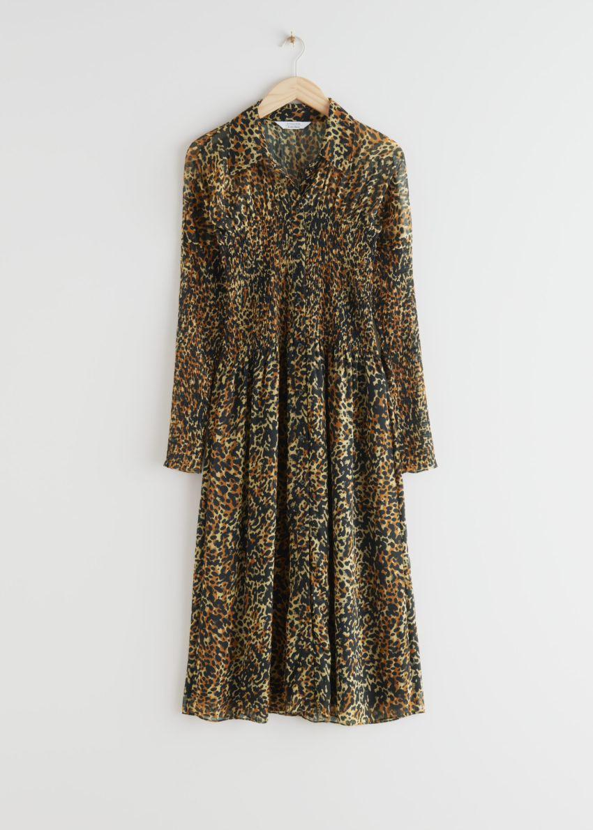 앤아더스토리즈 스모크 버튼 업 미디 드레스의 레오파드컬러 Product입니다.
