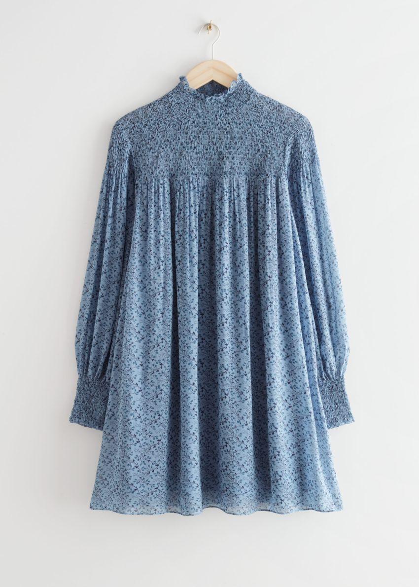 앤아더스토리즈 시어 스모크 미니 드레스의 블루 프린트컬러 Product입니다.