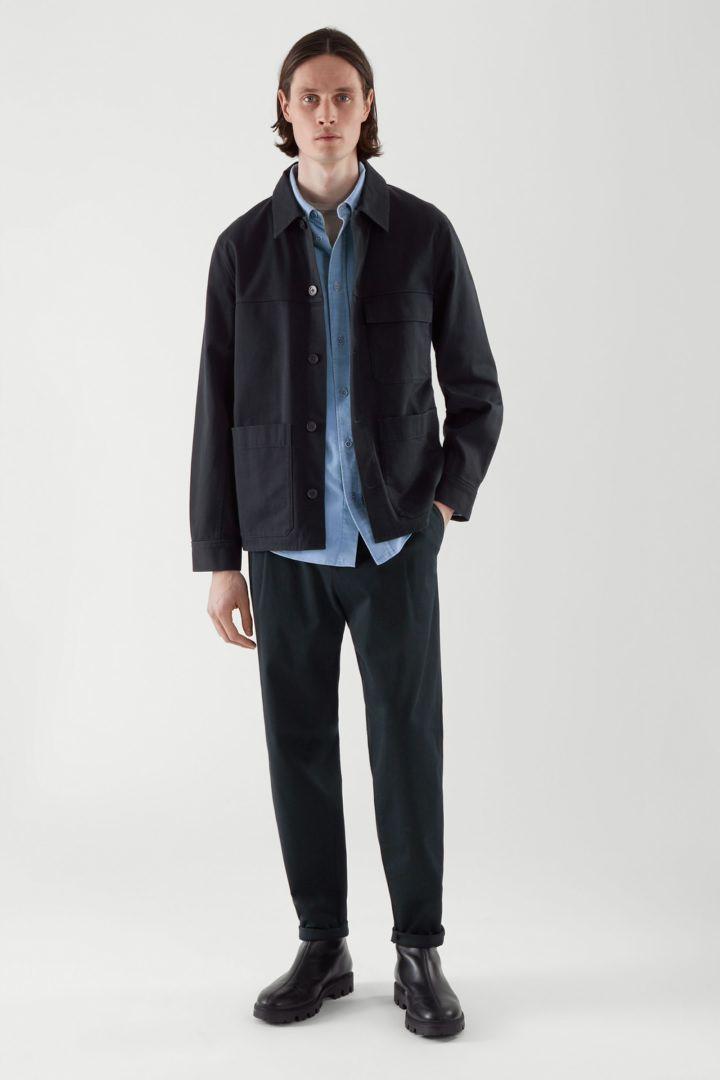 COS 워크웨어 재킷의 블루컬러 ECOMLook입니다.