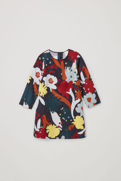 COS default image 11 of 블랙 in 프린티드 에이라인 코튼 드레스