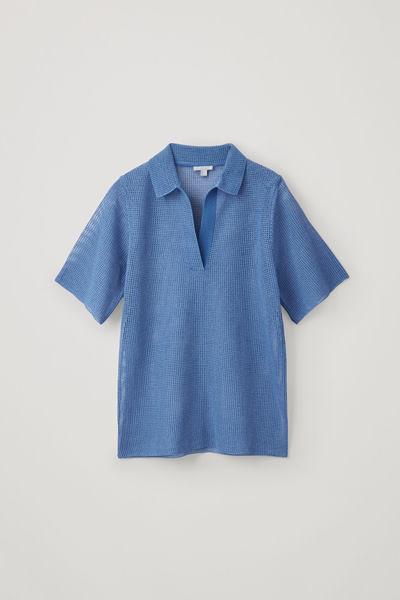 COS default image 10 of 블루 in 니티드 메쉬 폴로 셔츠