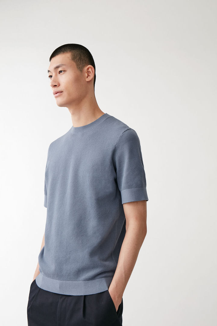 COS default image 8 of 블루 in 코튼 니트 티셔츠